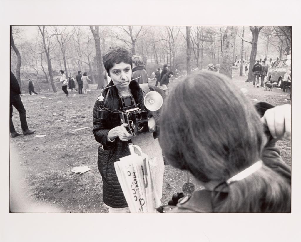 Гарри Виногранд. Диана Арбус в Центральном парке. Нью-Йорк. 1969