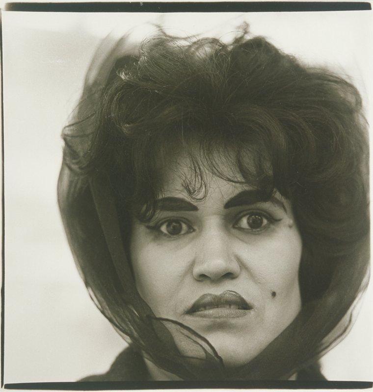 Диана Арбус. Пуэрториканская женщина с родинкой. Нью-Йорк. 1969.