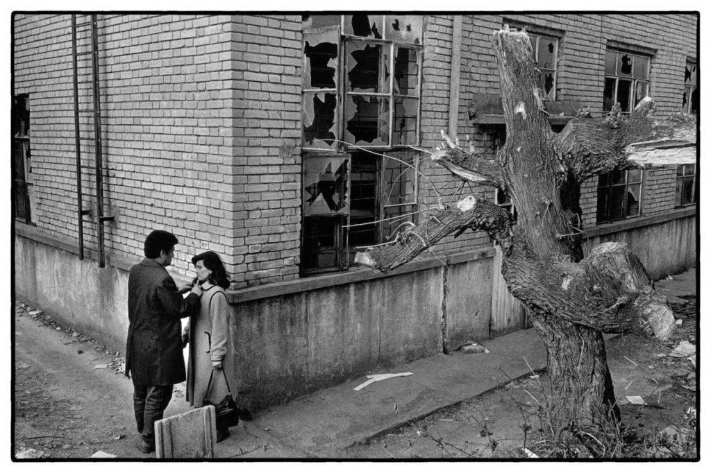Никос Экономопулос. Угол улицы. Тирана, Албания, 1992 г.