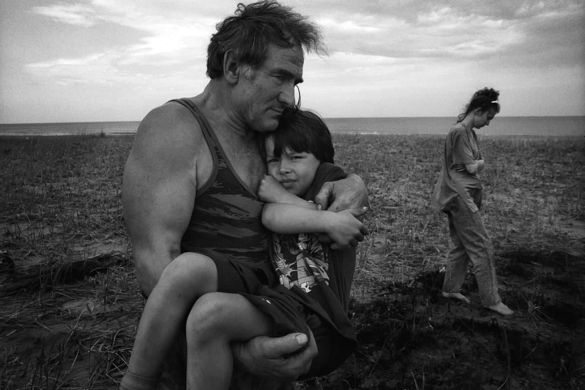 Олег Климов.  Семья островитян. Сахалин, поселок Стародубское, 2007.